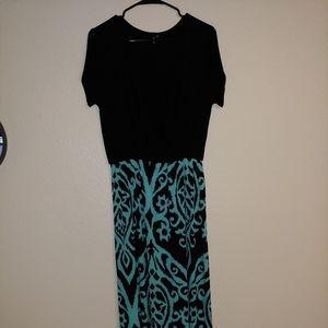 Plus size Zattcas low cut short sleeve dress.